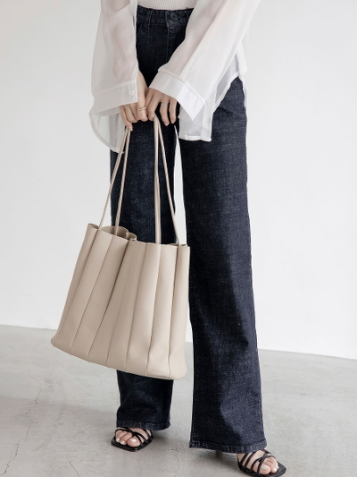 【NEW】smooth leather tote bag